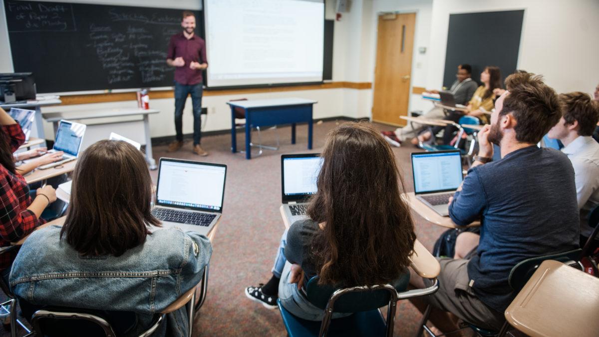 November 3, 2017 - Boston, MA.  CAS class stock photography.   Photo by Janice Checchio for Boston University Photography.